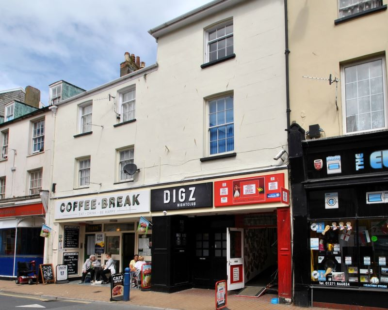 11-12 High Street, Ilfracombe, Devon, EX34 9DF