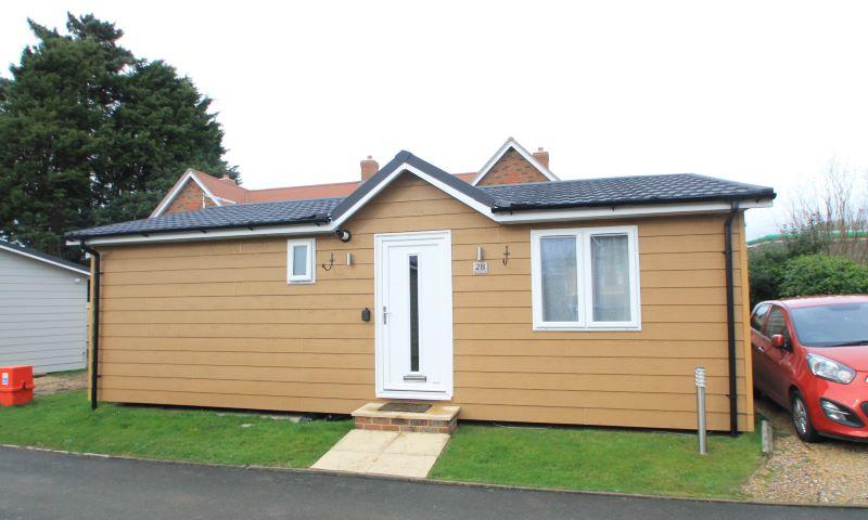 Holiday Lodge 28 Golden Cross Park, Deanland Road, Golden Cross, Hailsham, East Sussex, BN274AW