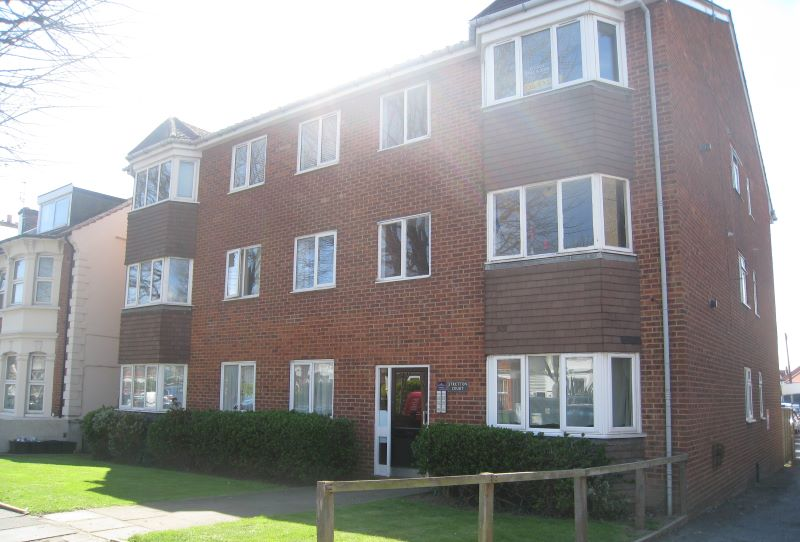Flat 2, Stretton Court, 66 Rutland Gardens, Hove, East Sussex, BN3 5PB