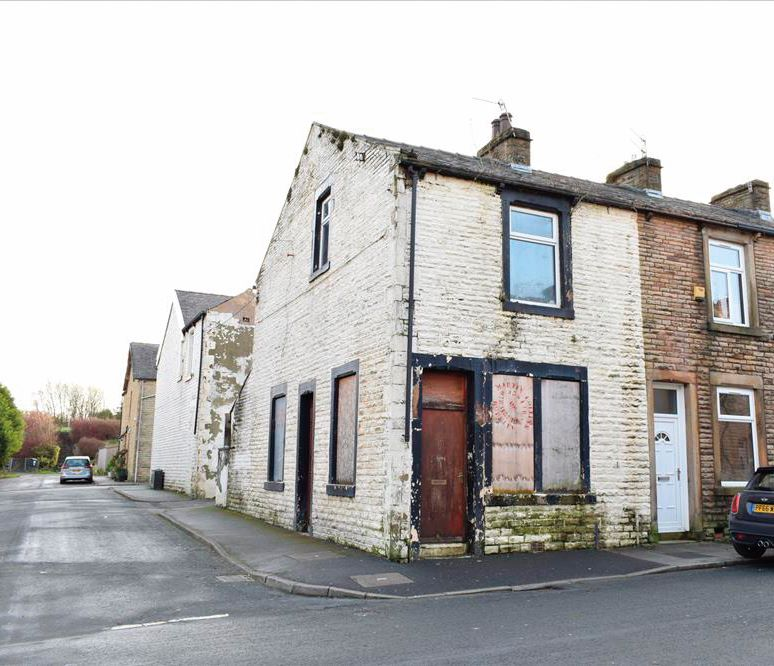 56 Laithe Street, Burnley, Lancashire, BB112LJ