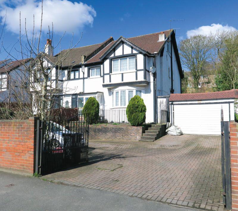 42 Brighton Road, Coulsdon, Surrey, CR52BA