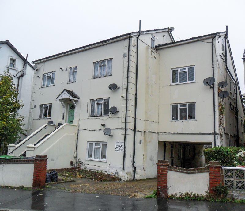 Flat 5, 31 Woodville Road, Thornton Heath, Surrey, CR78LH