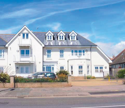 Flat 4 Crossley View, Marine Parade East, Clacton-on-Sea, Essex, CO15 6JZ