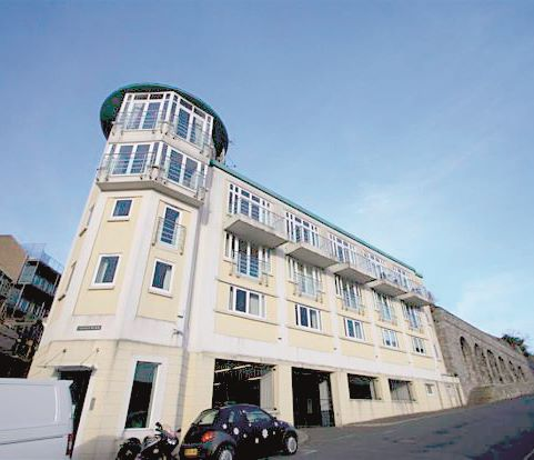 Flat 4 Trinity Place, 25 Cliff Road, Plymouth, Devon, PL13DR