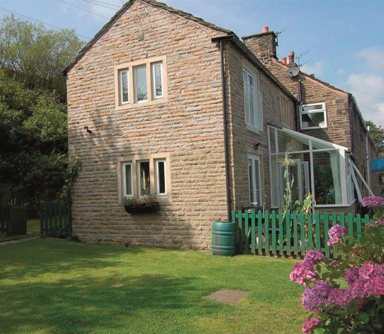 1 Cotemans Cottages, Grains Road, Delph, Oldham, Lancashire, OL35RN