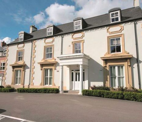 Flat 4 New Hall Manor, Chester High Road, Neston, Merseyside, CH643TE