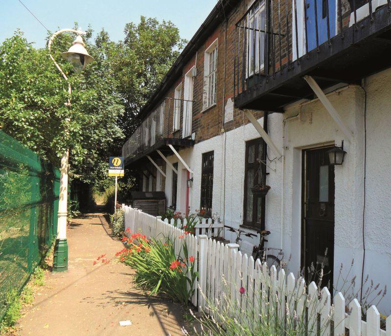 1 Model Cottages, Northfield Avenue, London, W139LF