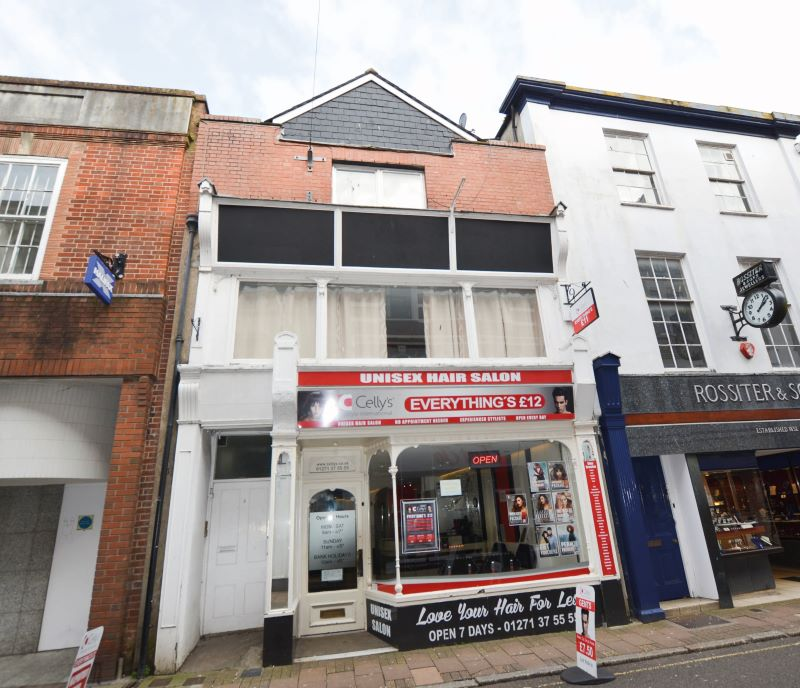 Flat 2, 5 High Street, Barnstaple, Devon, EX31 1BG