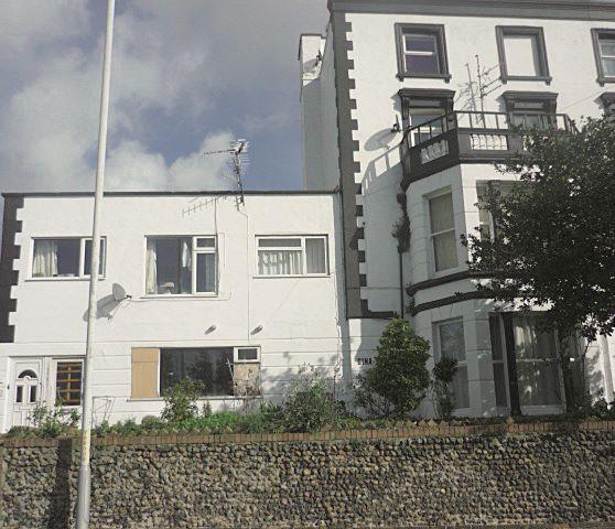Flat 2 Gina Court, 22 Victoria Road, Ramsgate, Kent, CT118BT