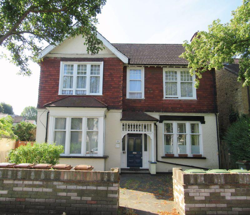 Flat 5, 21 Robin Hood Lane, Sutton, Surrey, SM12SF