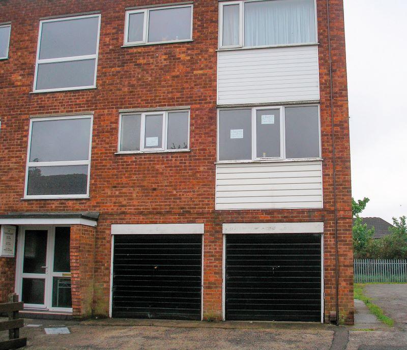 Flat 2, 2 Thorgam Court, Grimsby, DN312EU