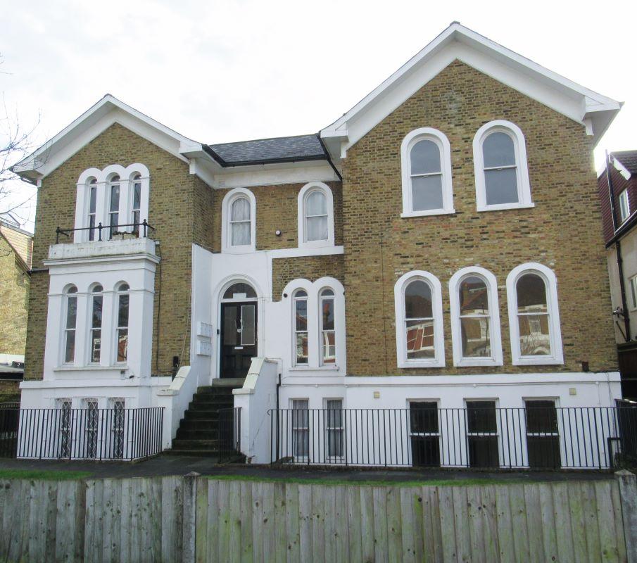 16 Chestnut Road, London, SE279LF