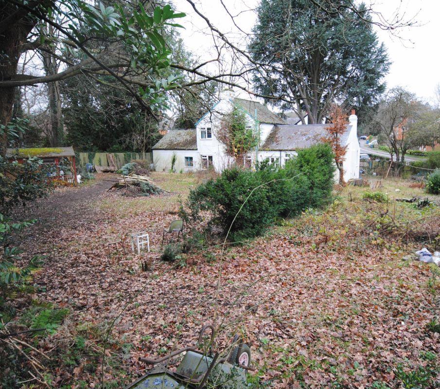 Wilbury Cottage, Beech Hill Road, Sunningdale, Ascot, Berkshire, SL50BN