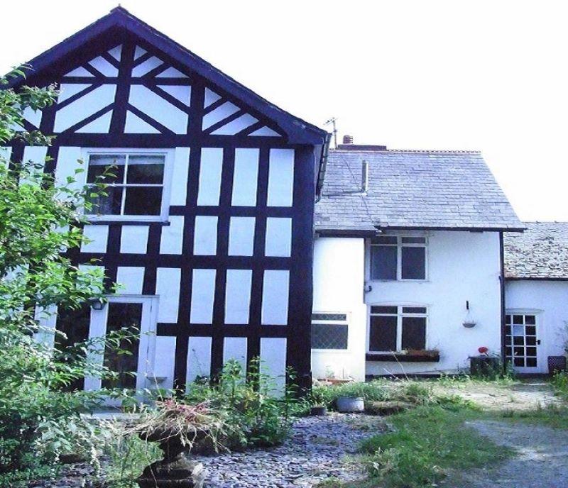3 Penrhallt Hall, Llanidloes, Powys, SY186LG