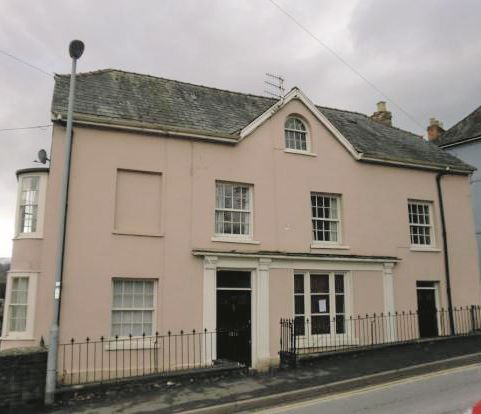 10 Priory Hill, Brecon, Powys, LD39DH
