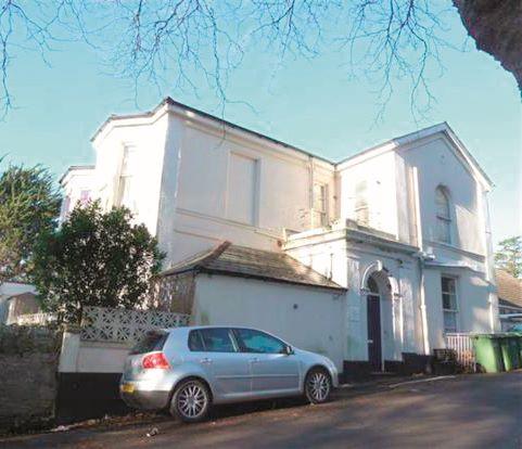 Flat 2, 2-4 Thurlow Road, Torquay, Devon, TQ13DZ