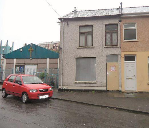 40 Griffin Street, Six Bells, Abertillery, Gwent, NP132NE