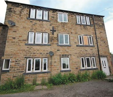 Flat 2, 4 Carrs Close, Dewsbury, West Yorkshire, WF13 4BW