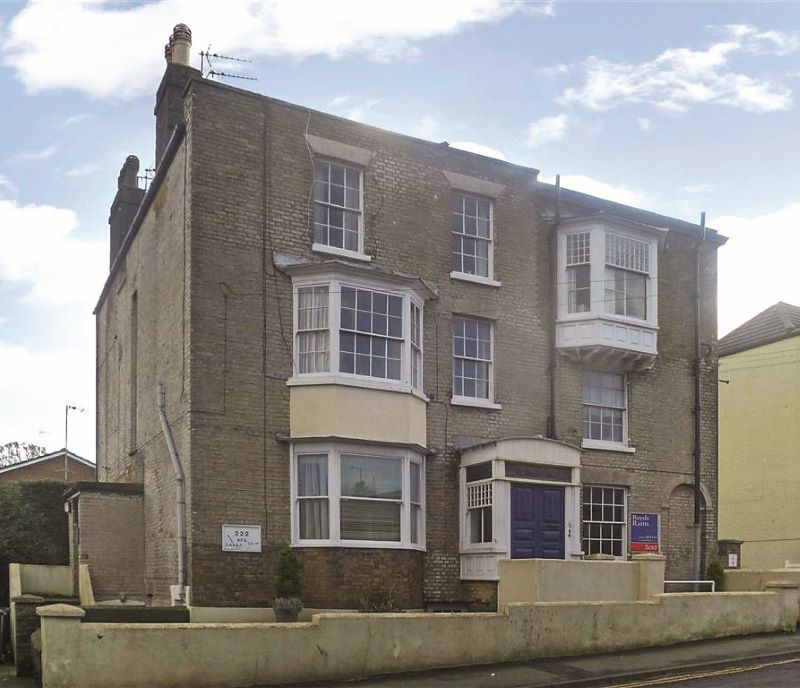 Flat 7 Penbury, 222 Dover Road, Walmer, Deal, Kent, CT14 7NB