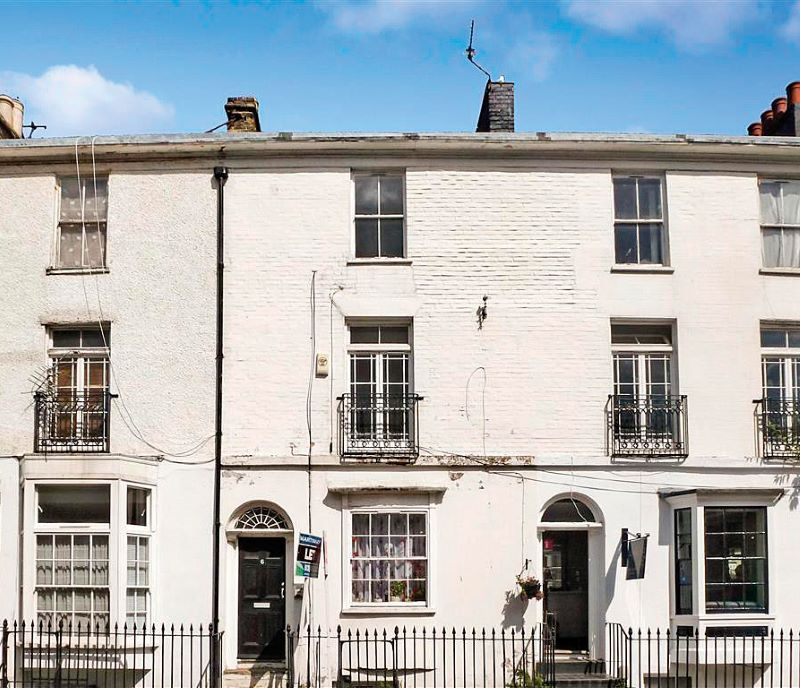 Flat 2, 6 & 7 Russell Street, Dover, Kent, CT16 1PX