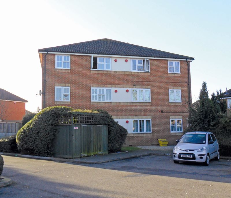 52A Dudley Close, Chafford Hundred, Grays, Essex, RM166PF