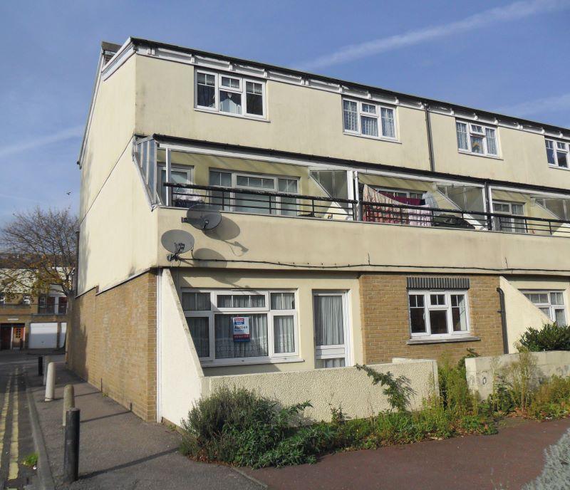 62 Renown Close, Croydon, Surrey, CR03SD