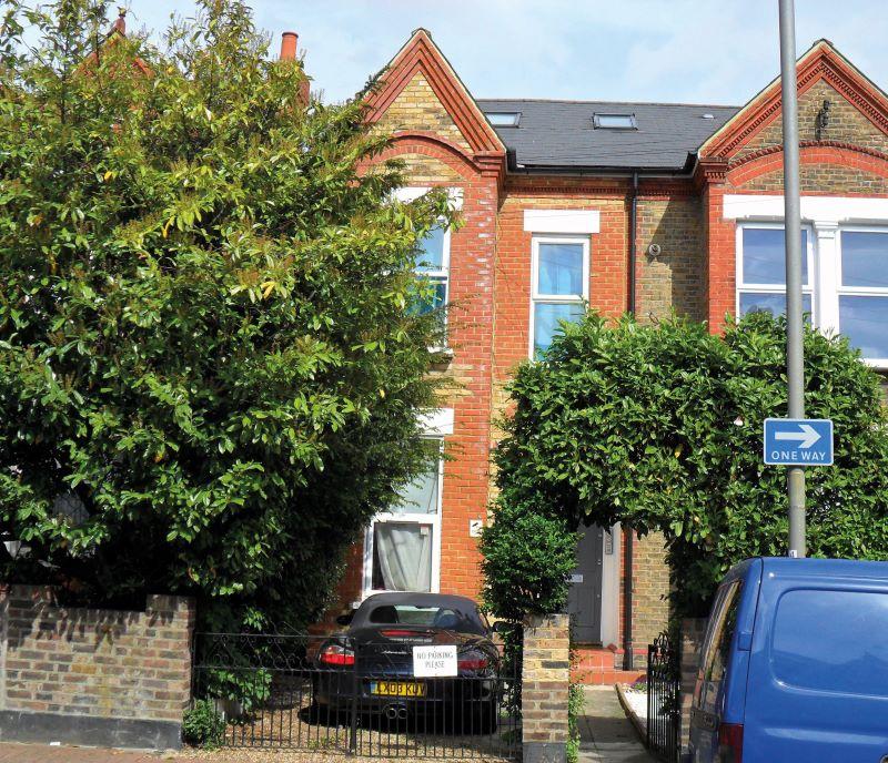 Flat 2, 25 Eardley Road, Streatham, SW166DA