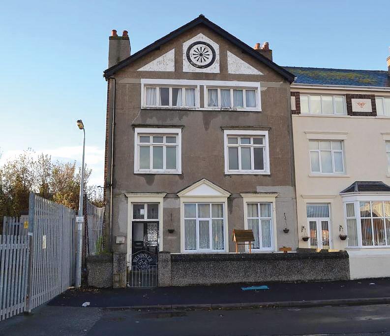 First Floor Flat, 13 Oxford Road, Llandudno, Gwynedd, LL301DH
