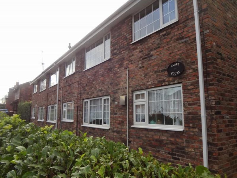 2 Clare Court, 52 Hall Street, Stockport, Cheshire, SK1 4DE