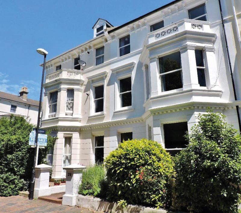 Flat 7, 30 Upperton Gardens, Eastbourne, BN212AH