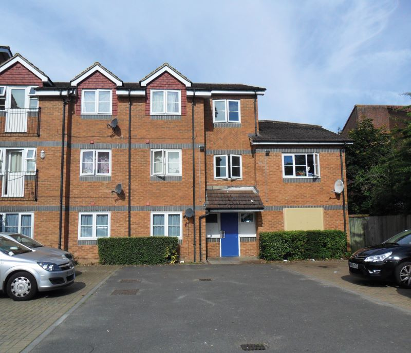 Flat 6 The Beeches, 73-79 Rokesby Road, Slough, SL2 2ED