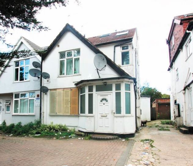 Ground Floor Flat, 23 Great North Way, London, NW4 1PT