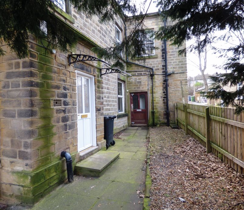 3 The Hollies, Bradford Road, Cleckheaton, West Yorkshire, BD19 3LW