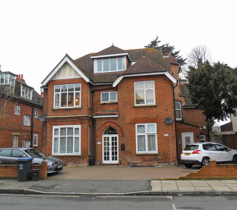 Flat 5, 8 Highland Road, Bromley, Kent, BR1 4AD