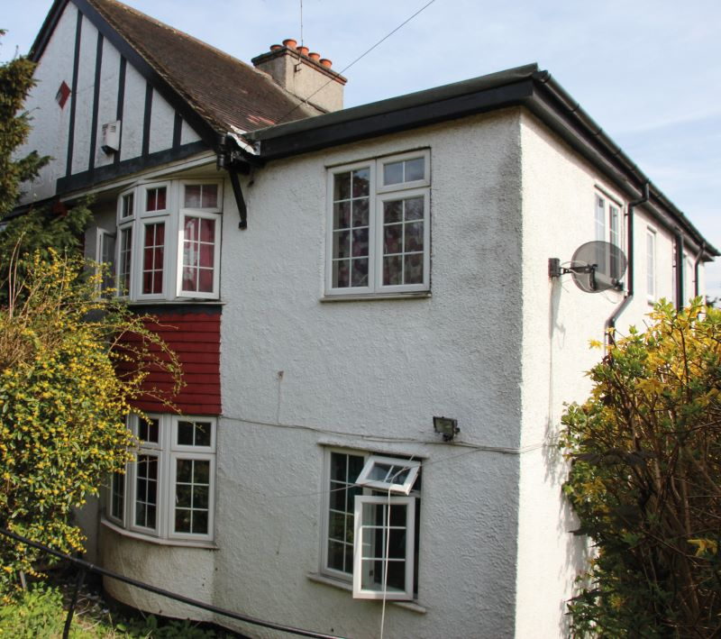 21 Kingsdown Avenue, South Croydon, Surrey, CR26QG