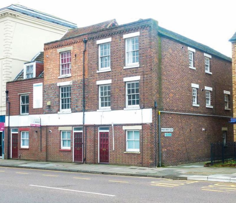Flat 3, 47-49 Queen Street, Portsmouth, Hampshire, PO1 3HW