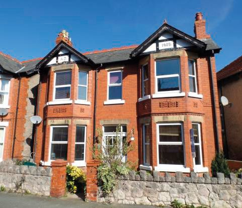 17 Cadwgan Road, Old Colwyn, Colwyn Bay, LL29 9PY
