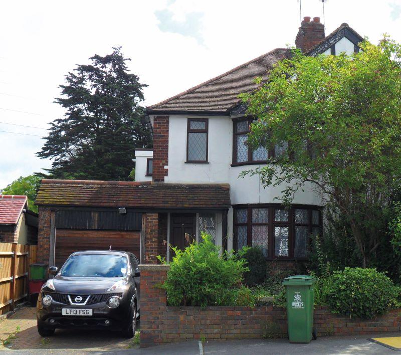 1 Carisbrooke Avenue, Bexley, Kent, DA53HS