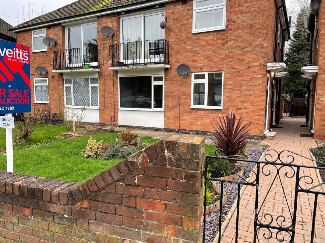 214 Sunnybank Avenue Stonehouse Estate, Coventry, West Midlands