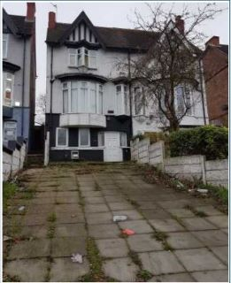 Property for auction in West Midlands)