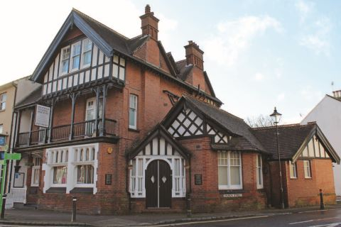 Property for auction in West Sussex)