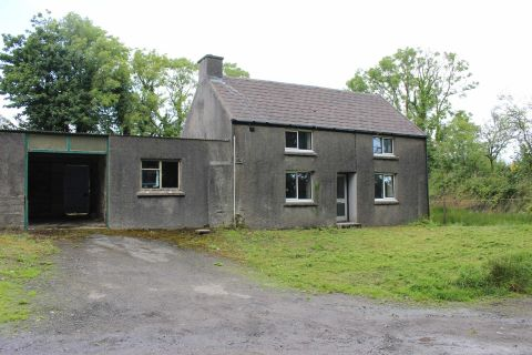 Property for auction in Dyfed)