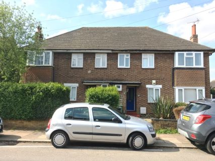 Property for auction in Bedfordshire)