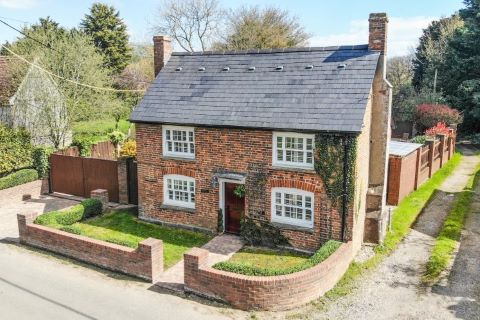 Property for auction in Hertfordshire)