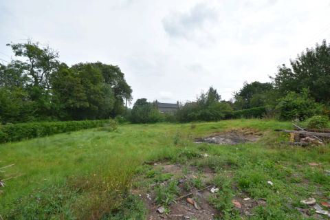 Property for auction in Herefordshire)