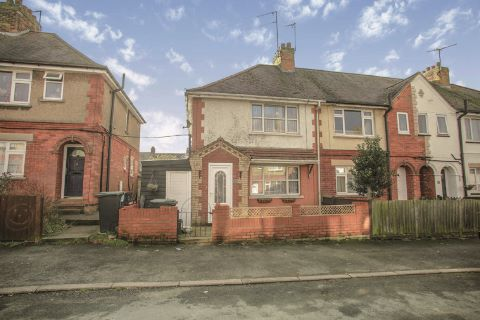 Property for auction in Northamptonshire)