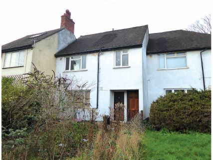 Property for auction in London)