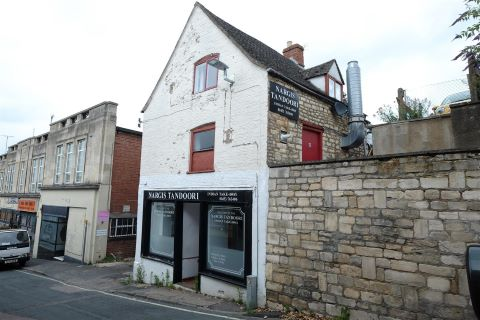 Property for auction in Gloucestershire)