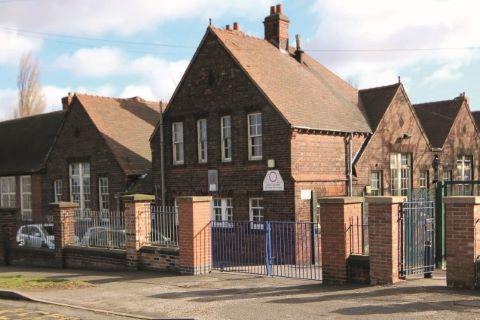 Shuttlewood, Chesterfield, Derbyshire, S44