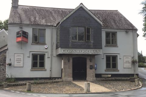 Property for auction in Devon)